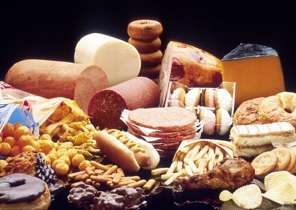 Είναι επίσημο: Οι γιορτές ανεβάζουν τη χοληστερίνη στους περισσότερους ανθρώπους