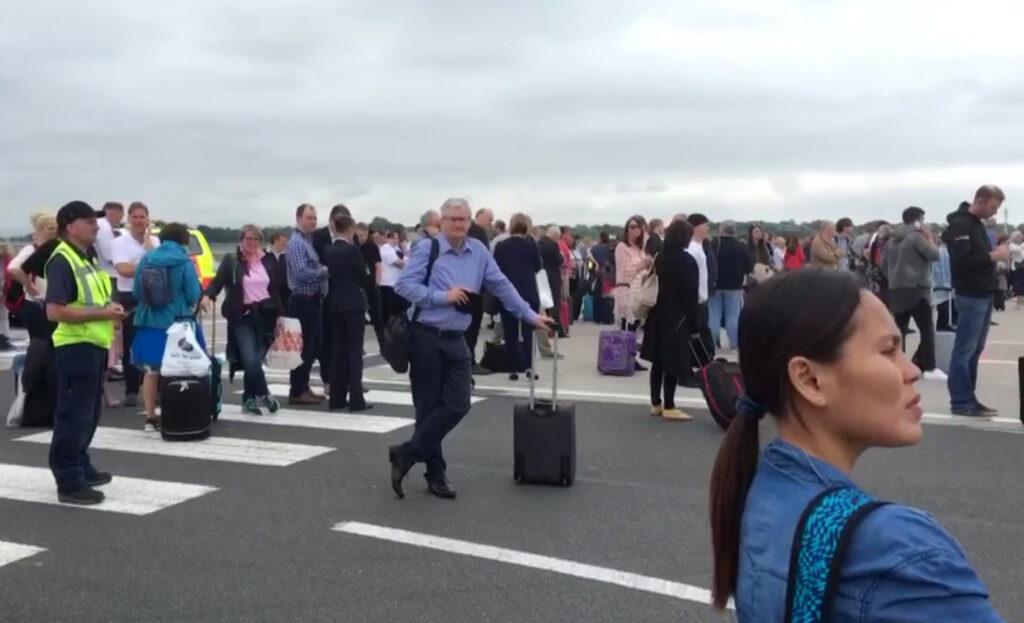 Άνοιξε και πάλι το αεροδρόμιο του Μάντσεστερ – Λάθος συναγερμός
