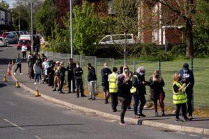 Βρετανία: 3.398 νέα κρούσματα, 7 νέοι θάνατοι