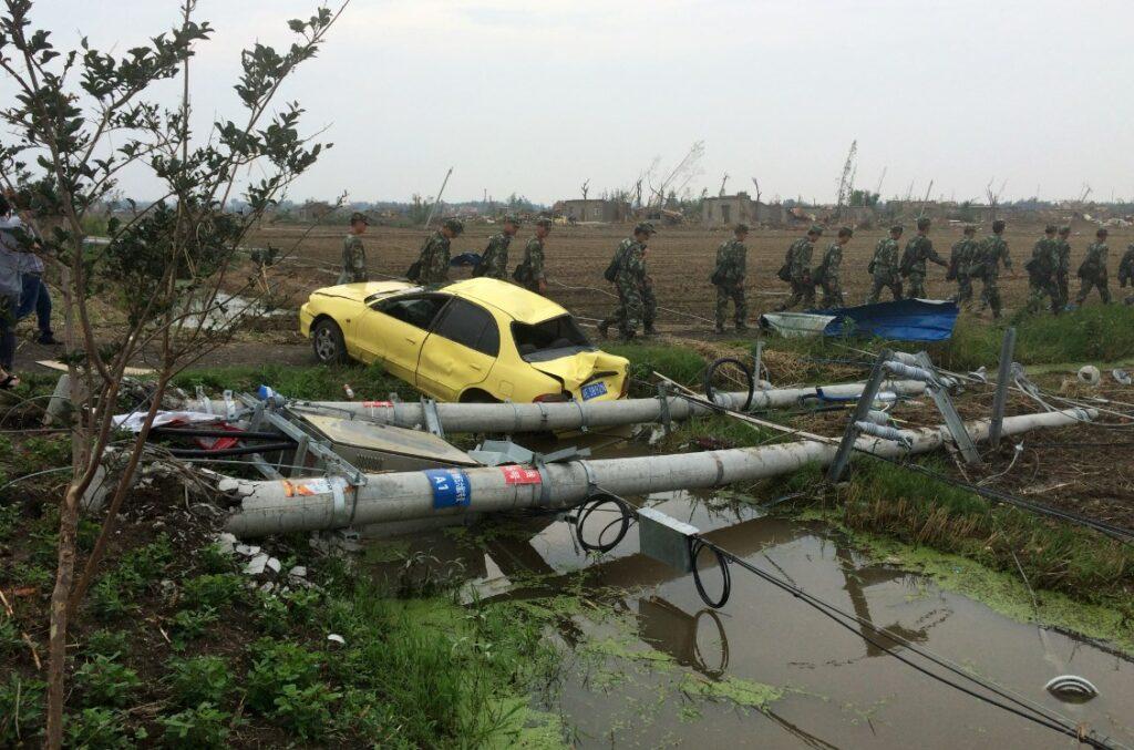 Ανεμοστρόβιλοι σαρώνουν την Ανατολική Κίνα – Πάνω από 60 τραυματίες και ένας νεκρός