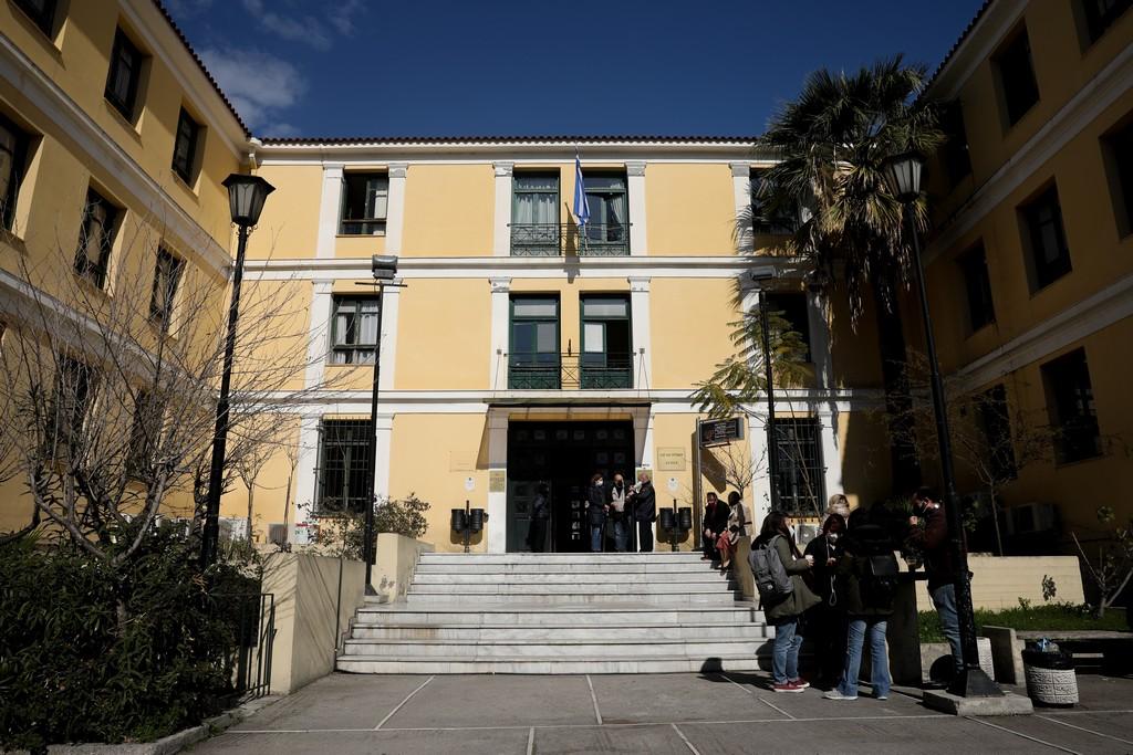 Σε «καραντίνα» τα ποινικά δικαστήρια – Έτοιμοι για κινητοποιήσεις οι δικηγόροι