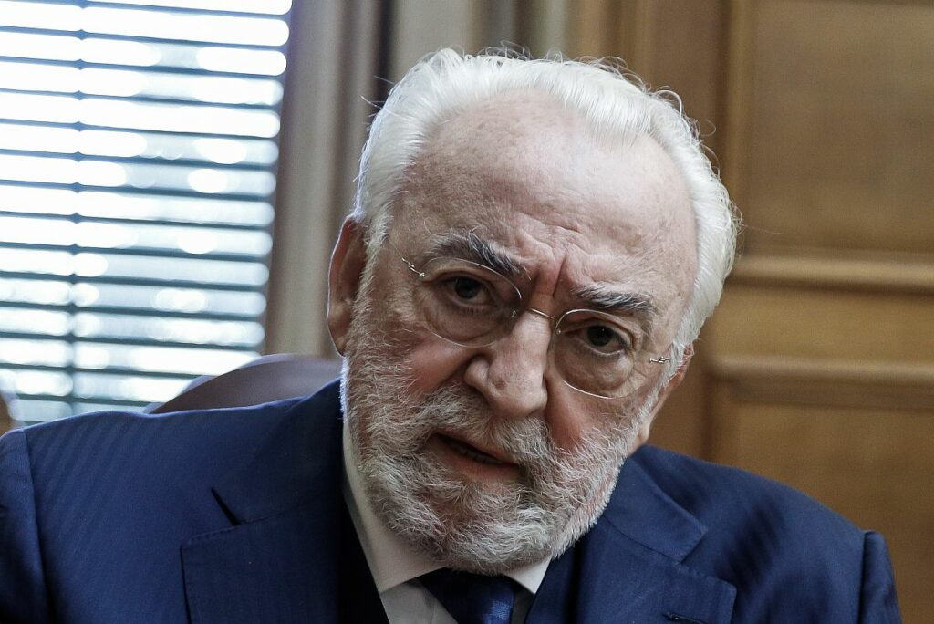 Διακοπή στην Προανακριτική λόγω αδιαθεσίας Καλογρίτσα – Τον εξέτασε ο Πολάκης!