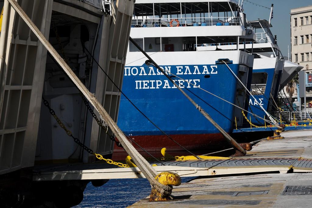 Δεμένα τα πλοία στις 3 Ιουνίου – Απεργία για το εργασιακό νομοσχέδιο