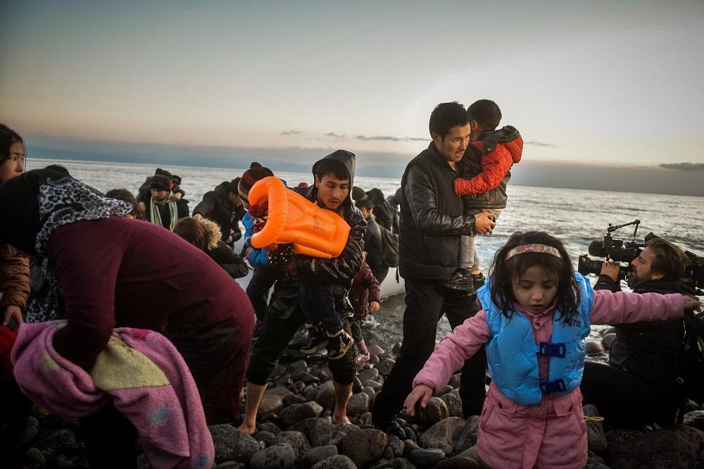 ΣΥΡΙΖΑ για δηλώσεις Σχοινά: Μετακυλίουν βάρη και ευθύνες για τους πρόσφυγες στις χώρες εισόδου