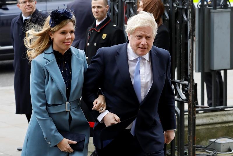 Μυστικός γάμος Μπόρις Τζόνσον – Κάρι Σίμοντς σύμφωνα με βρετανικά ΜΜΕ