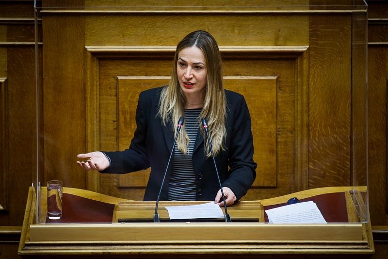 """ΣΥΡΙΖΑ: Φιάσκο το 1ο Πανελλήνιο Συνέδριο """"Γονιμότητας και Αναπαραγωγικής Αυτονομίας"""""""
