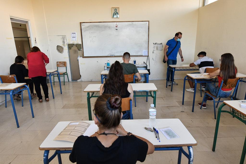 Πανελλαδικές 2021: «Πρεμιέρα» με Νεοελληνική γλώσσα για 100.000 υποψηφίους