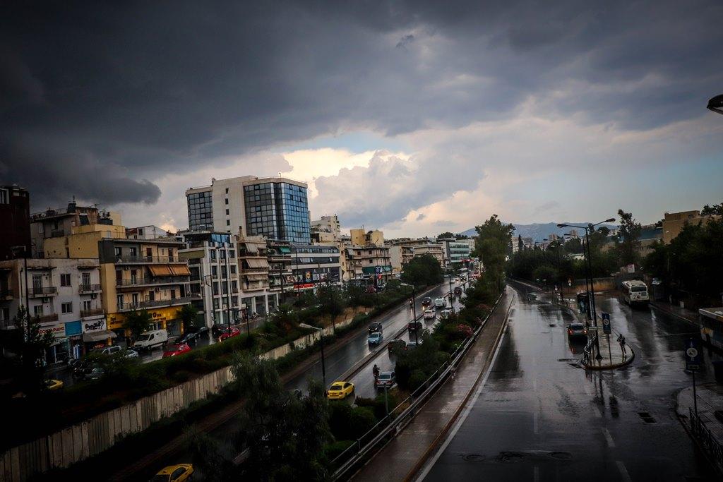 Καιρός: Συνεχίζεται η αστάθεια με βροχές και καταιγίδες – Πόσο θα διαρκέσουν
