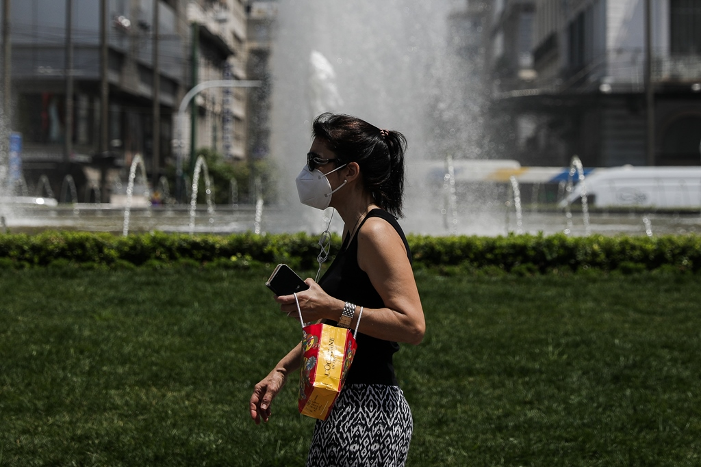 Λινού: Βγάλαμε πρόωρα τη μάσκα –  Οι έλεγχοι κατά την άφιξη τουριστών είναι ενδεικτικοί