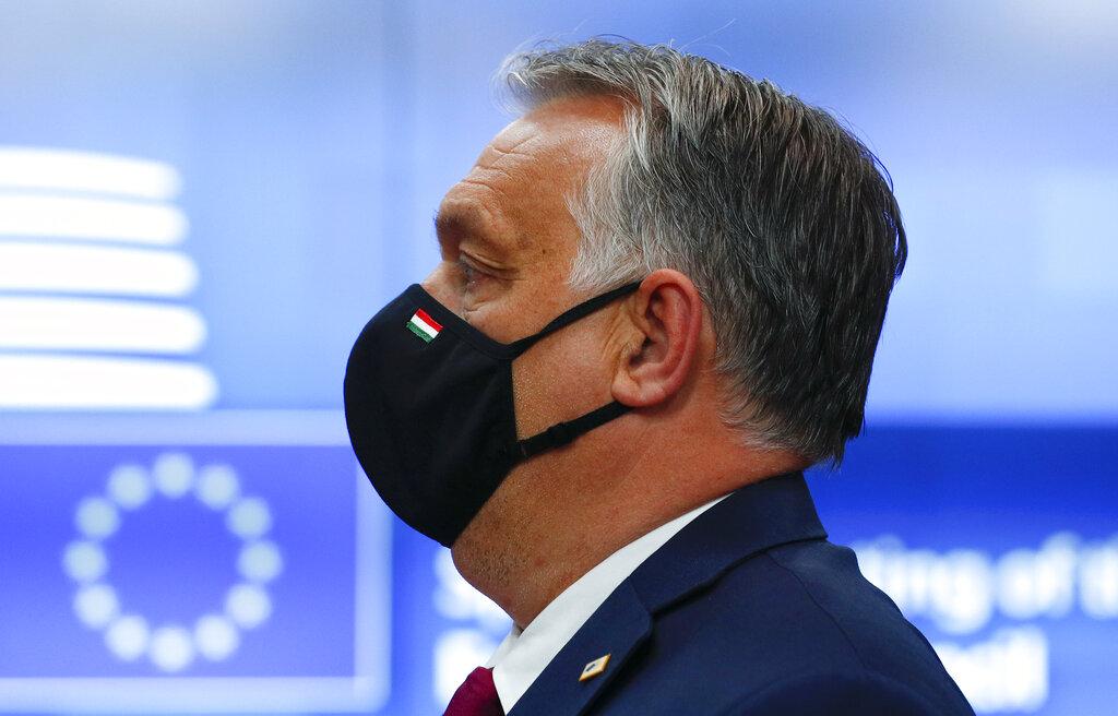 Διεθνής Τύπος: Μάχη Ορμπάν και ΕΕ για τα δικαιώματα των ομοφυλόφιλων – Μέρκελ και Μακρόν διχάζουν την Ευρώπη για τη Ρωσία