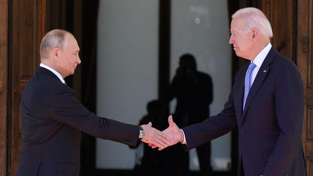 Διεθνής Τύπος: Τα αποτελέσματα της συνάντησης Μπάιντεν και Πούτιν – Μάσκα τέλος στη Γαλλία