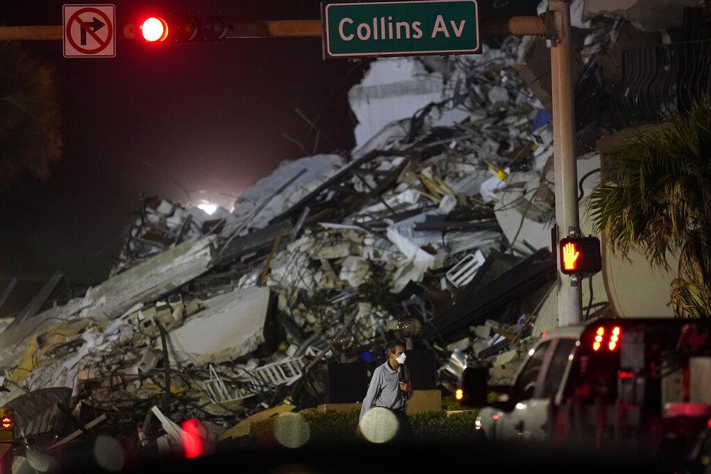 Κατάρρευση κτιρίου στη Φλόριντα: Τρεις νεκροί, 12 τραυματίες, 99 αγνοούμενοι (Photos)