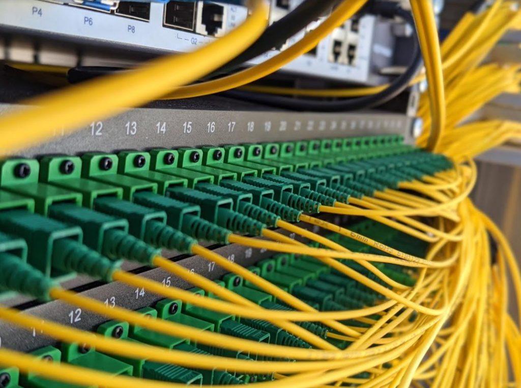 Ultra-Fast Broadband: Μέχρι το Σεπτέμβρη η προθεσμία για υποβολή δεσμευτικών προσφορών
