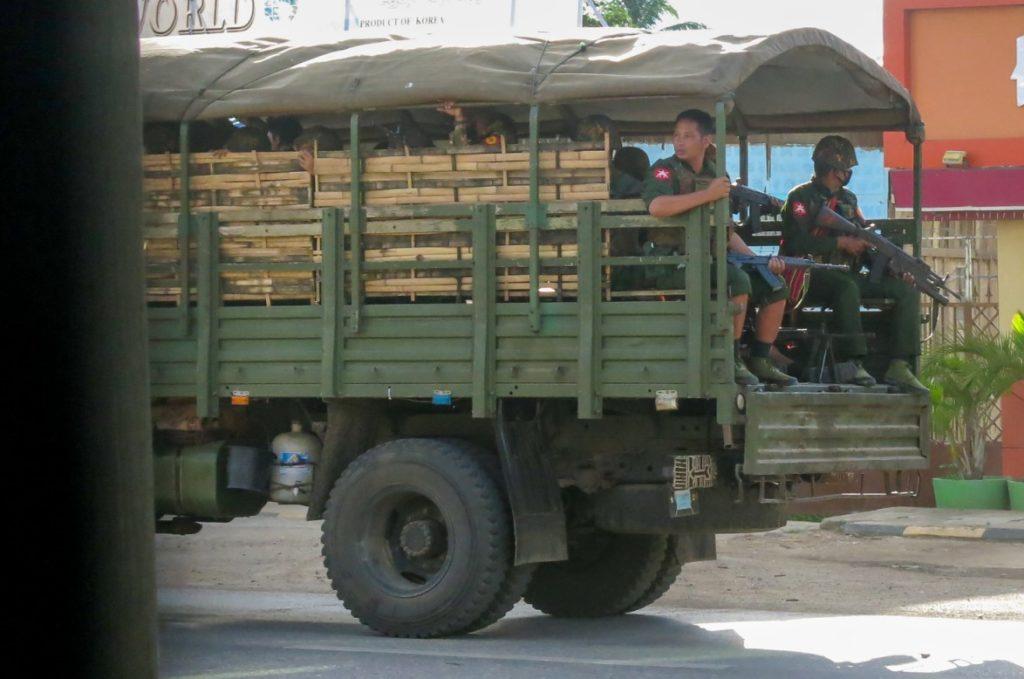 Η χούντα της Μιανμάρ δικάζει την πρώην ηγέτιδα για παράνομη κατοχή ασυρμάτου