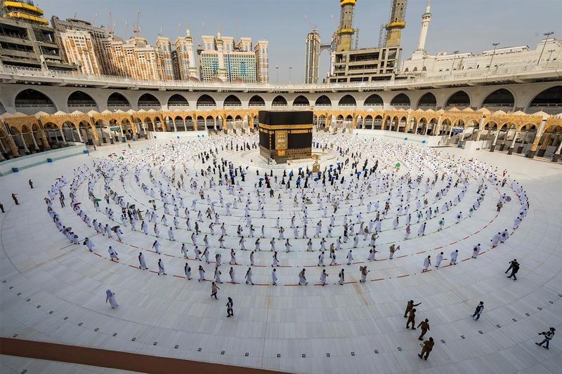 Σαουδική Αραβία: Μόνο…εξήντα χιλιάδες εμβολιασμένοι πιστοί θα κάνουν φέτος το προσκύνημα στη Μέκκα