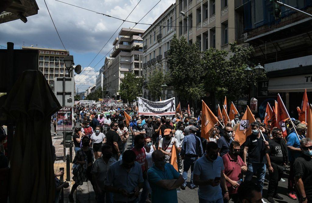 Μαζικός ξεσηκωμός ενάντια στο αντεργατικό έκτρωμα της κυβέρνησης Μητσοτάκη