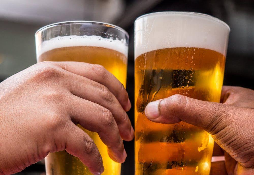 Κατανάλωση αλκοόλ και τρέξιμο: Τι λένε οι ειδικοί;