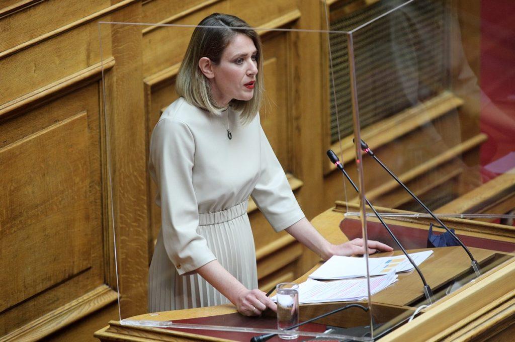 Νέες «βολές» από «γαλάζια» βουλευτή κατά του αντεργατικού νομοσχεδίου Χατζηδάκη (Video)