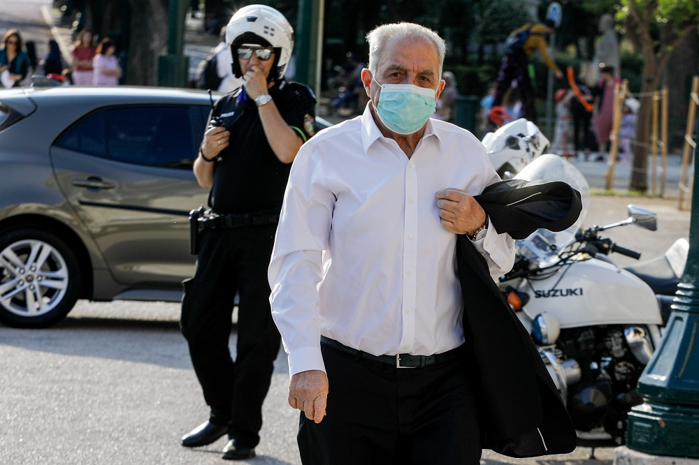 Εξάρχεια: Έκλεψαν το αυτοκίνητο του Αλέκου Φλαμπουράρη έξω από το σπίτι του