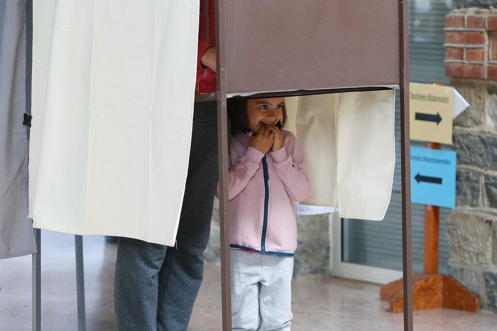 Γαλλία: Ρεκόρ αποχής στον δεύτερο γύρο των περιφερειακών εκλογών