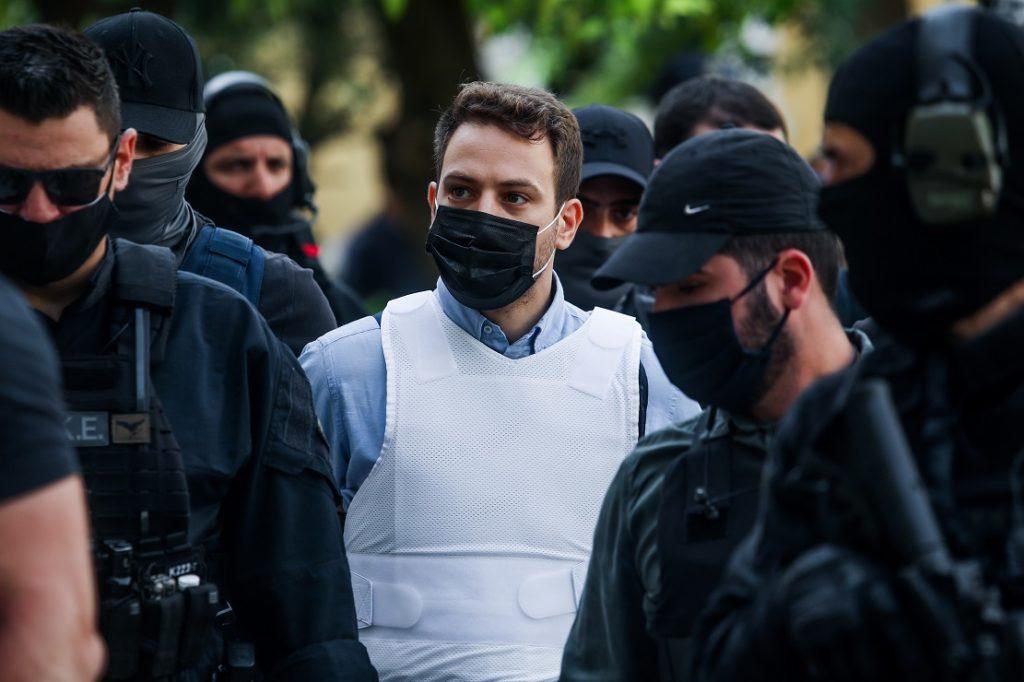 Γλυκά Νερά: Προφυλακιστέος ο γυναικοκτόνος Μπάμπης Αναγνωστόπουλος (Videos)