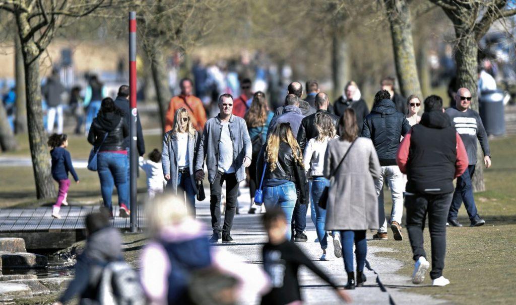 Γερμανία: Ένας στους δύο πολίτες θεωρεί ότι δεν μπορεί να εκφραστεί ελεύθερα για ορισμένα θέματα