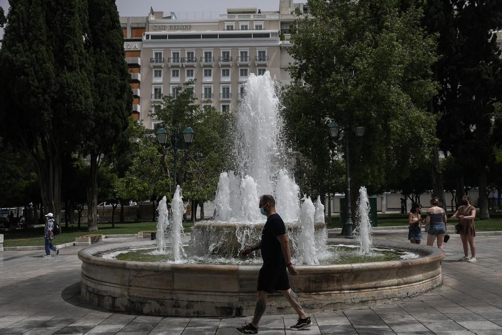 Κλείνουν σχολεία στη Στερεά Ελλάδα λόγω του καύσωνα