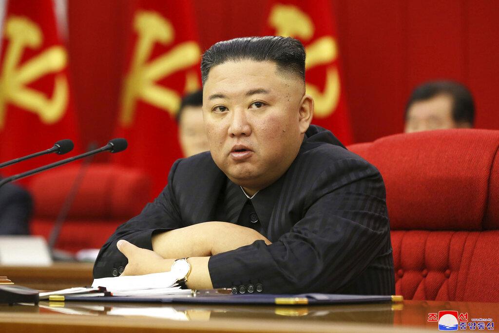 Bόρεια Κορέα: Κρατικά ΜΜΕ δείχνουν πολίτες να ανησυχούν για την απώλεια βάρους του Κιμ