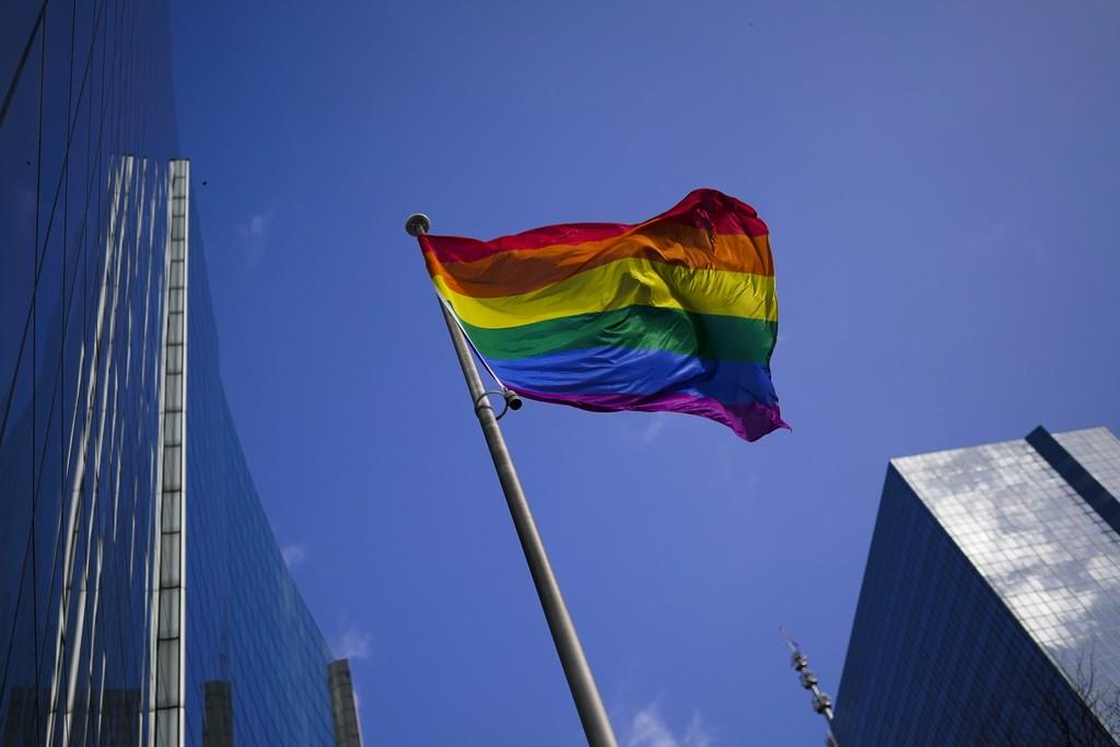 Ουγγαρία: Ομοφοβικός νόμος βάζει στο στόχαστρο βιβλία, σειρές, ταινίες