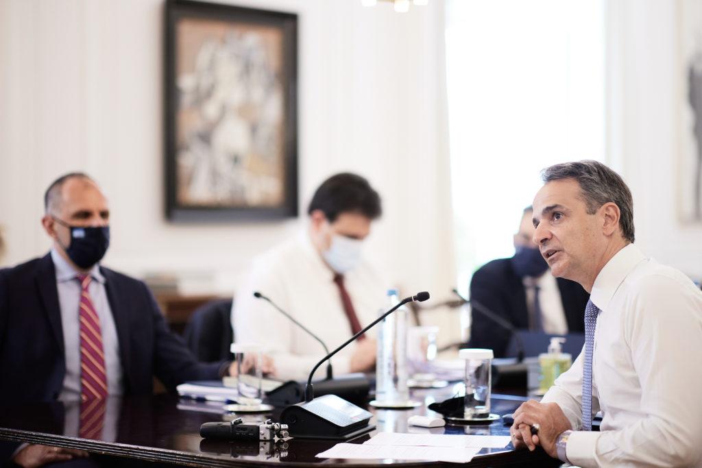 Την κατάργηση του διανεμητικού συστήματος στη επικουρική ασφάλιση ανακοίνωσε ο πρωθυπουργός