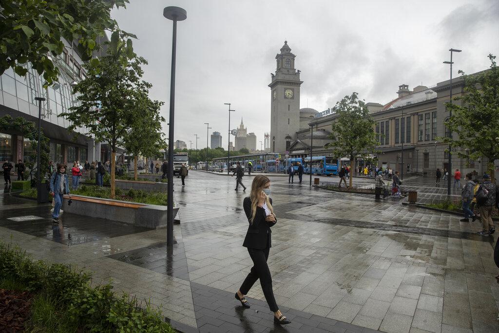 «Δραματική» η κατάσταση στη Μόσχα: «Υποχρεωτικός» ο εμβολιασμός για συγκεκριμένους εργαζόμενους