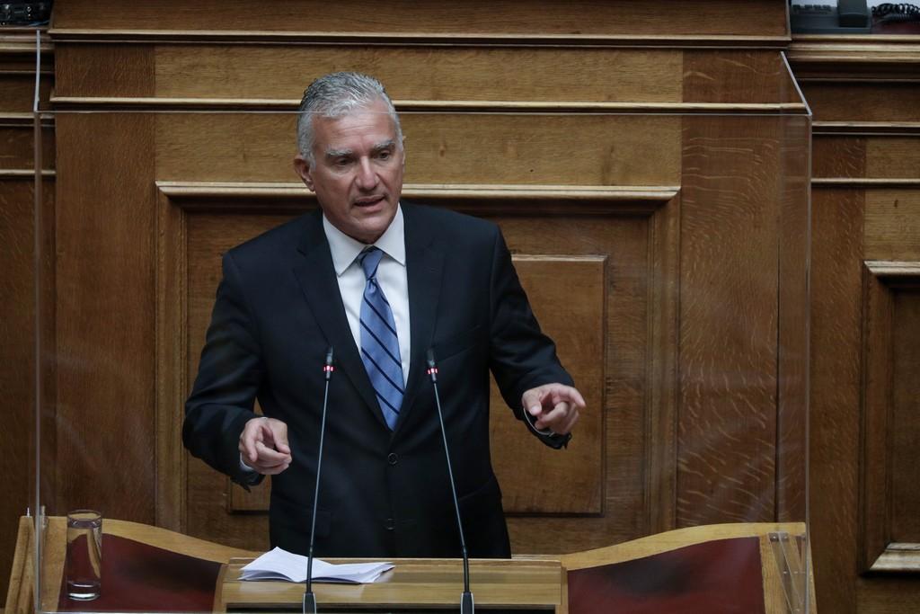 Προκλητική δήλωση βουλευτή της ΝΔ: Το δεκάωρο μειώνει τους χρόνους μετακινήσεων