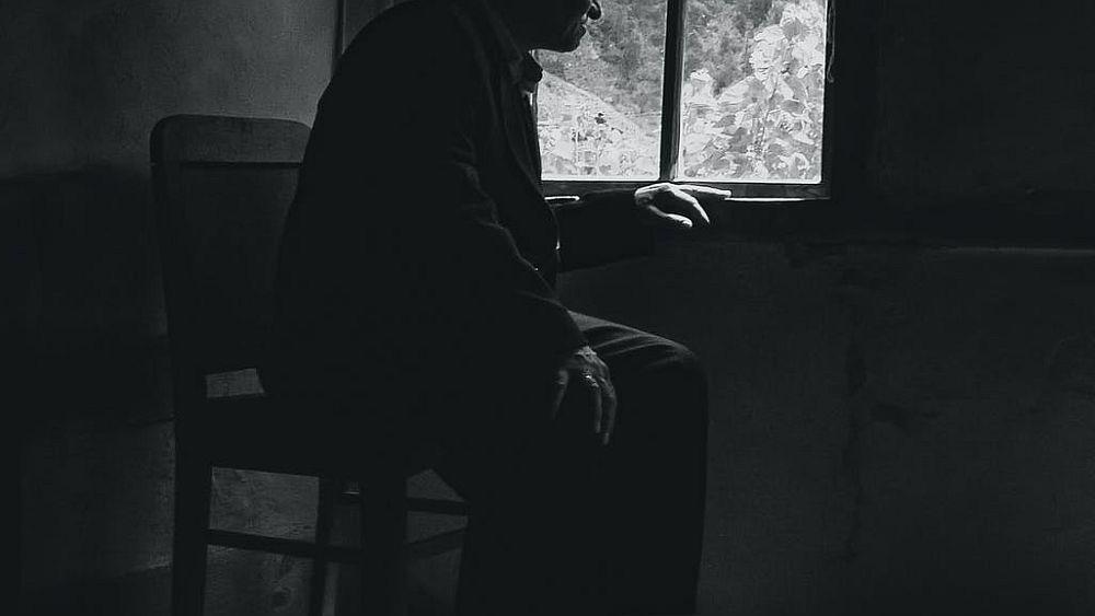 Νύχτα τρόμου στο Ίλιον: Βασάνισαν ηλικιωμένη 100 ετών μέσα στο σπίτι της (Video)