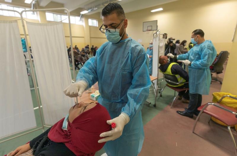 Ισραήλ: Τα εμβόλια κατά της Covid που δώσαμε στους Παλαιστίνιους είναι απολύτως έγκυρα