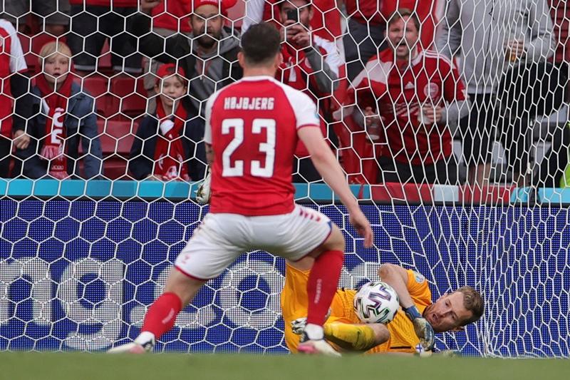 Euro 2020: Πρώτη νίκη της Φινλανδίας σε τελική φάση, 1-0 τη σοκαρισμένη -λόγω Ερικσεν- Δανία