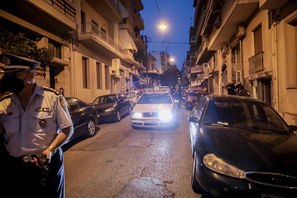 Πετράλωνα: Οργή κατά ΕΛΑΣ που έχασε «κάτω από τη μύτη της» τον βιαστή – Τι έγραψε το twitter