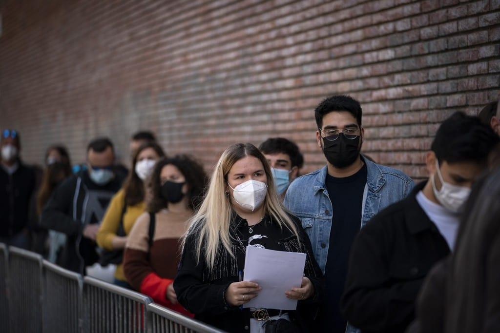 Η Ισπανία θα καταργήσει από τις 26 Ιουνίου την μάσκα σε εξωτερικούς χώρους