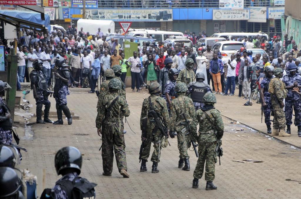 Ουγκάντα: Προσπάθησαν να δολοφονήσουν τον υπουργό Μεταφορών – Σκοτώθηκε η κόρη του