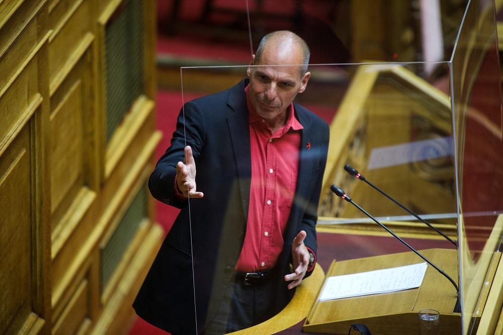 Σφοδρή επίθεση Βαρουφάκη στον Τασούλα: Εξευτέλισε τον Κανονισμό της Βουλής