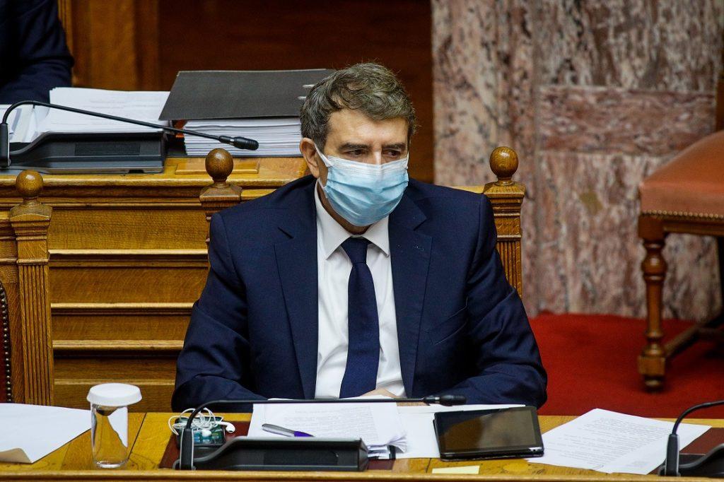 Βουλευτής της ΝΔ σε Χρυσοχοΐδη: «Διακίνηση ναρκωτικών και λαθρεμπόριο στα σύνορα με την Αλβανία»