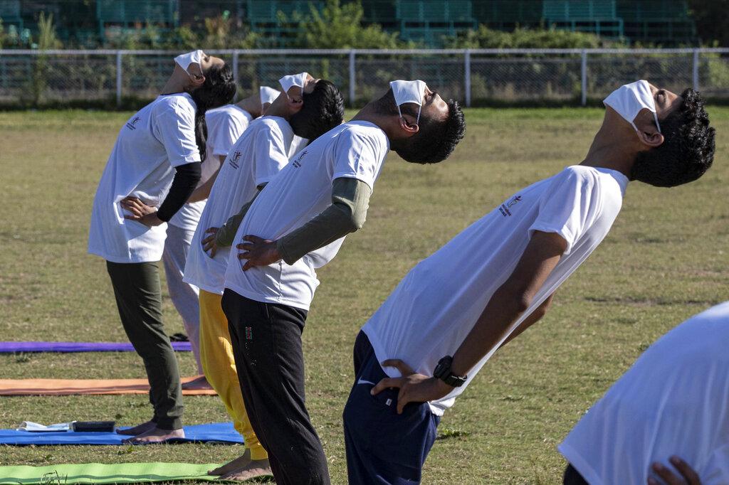 Ινδία: Τα οφέλη της γιόγκα κατά του κορονοϊού εξήρε ο πρωθυπουργός!