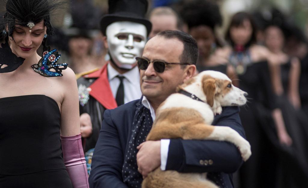 «Diorgate»: Δριμύ κατηγορώ του σχεδιαστή Βασίλη Ζούλια με αποδέκτη Dior και Μαρέβα Γκραμπόφσκι Μητσοτάκη