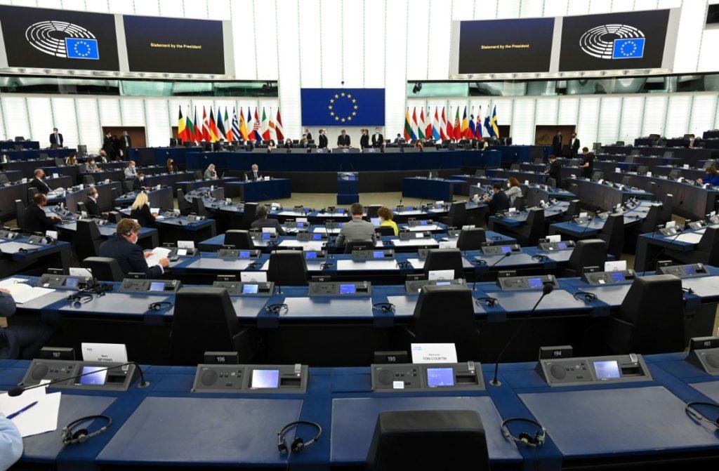 Παπαδημούλης: Οι ευρωβουλευτές της ΝΔ υπερψήφισαν την έκθεση του Ευρωκοινοβουλίου μετά την κατακραυγή