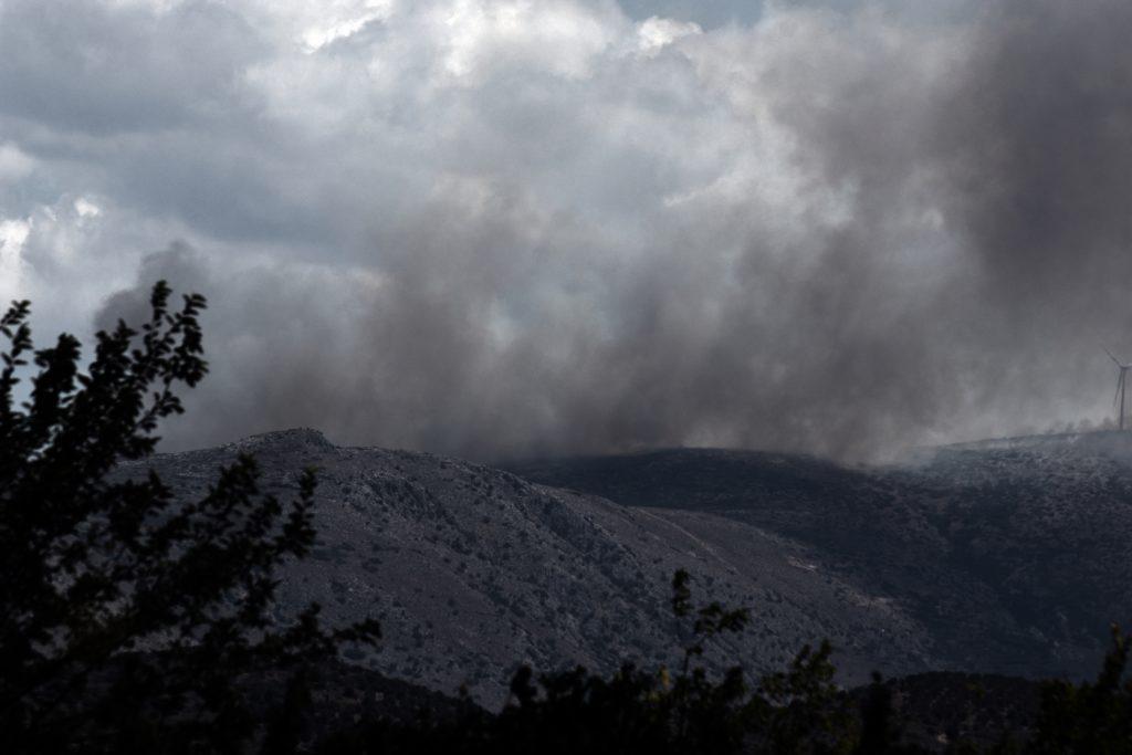 Βελτιωμένη η εικόνα από την πυρκαγιά στην Αργολίδα