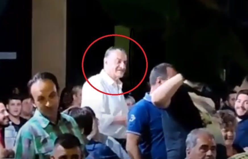 O αντιπρόεδρος της Βουλής Χαράλαμπος Αθανασίου… ανέμελος και χωρίς μάσκα σε πανηγύρι της Λέσβου (Videos)