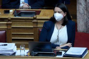 Πέρασε από τη Βουλή το αντιδραστικό νομοσχέδιο Κεραμέως για το νέο σχολείο