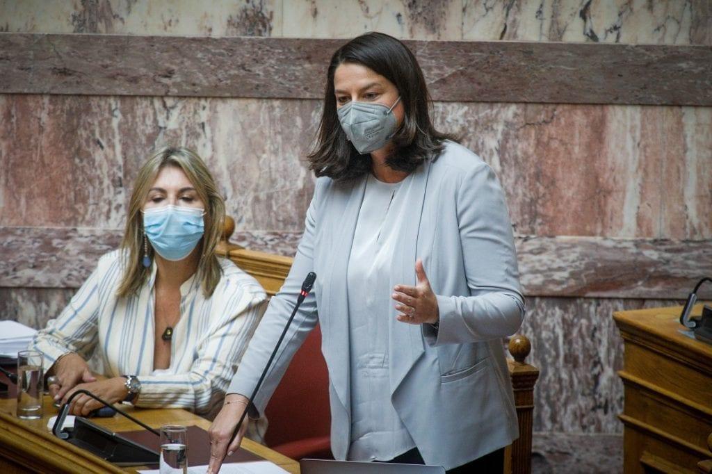 Βουλή: «Πυρά» αντιπολίτευσης κατά Κεραμέως για το νομοσχέδιο για το νέο σχολείο