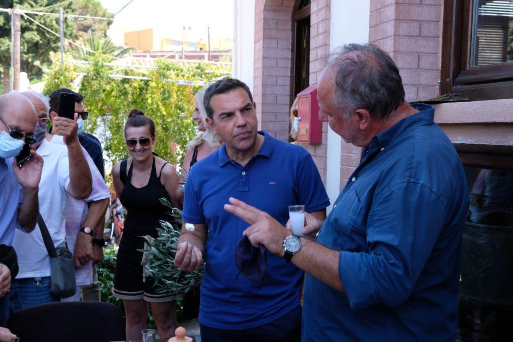 Τσίπρας: Η κλεψύδρα για την κυβέρνηση έχει γυρίσει, το διαπίστωσα στη Λέσβο