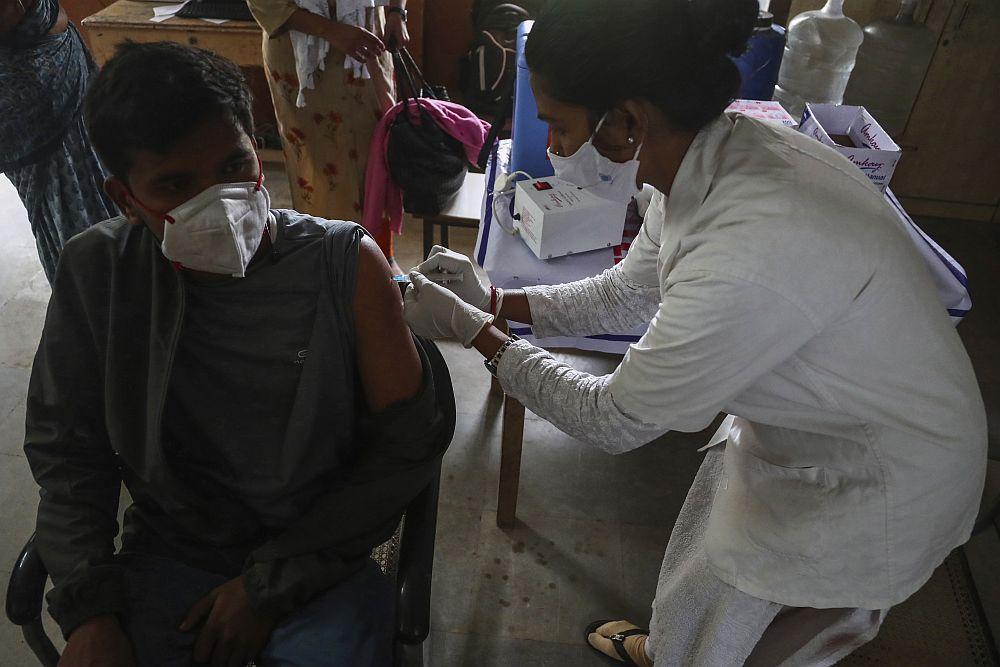 Ινδία: Άλλοι 415 θάνατοι λόγω κορονοϊού – Σχεδόν 30.000 κρούσματα σε 24 ώρες