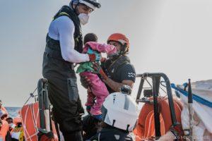 Λιβύη: Το Ocean Viking διέσωσε 196 μετανάστες (Photos)